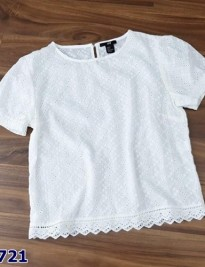 Áo H&M trắng họa tiết vuông